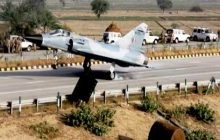 22 Highway Stretches In India May Double Up As Airstrips: Nitin Gadkari