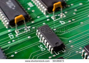 macro-silicon-chip-on-green-board