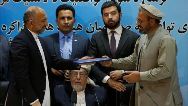 Afghanistan signs deal with militant Hekmatyar