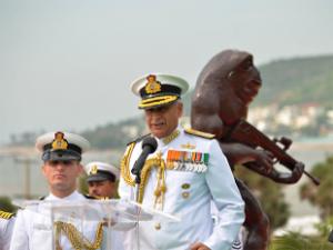 navy-chief-sunil-lanba-et