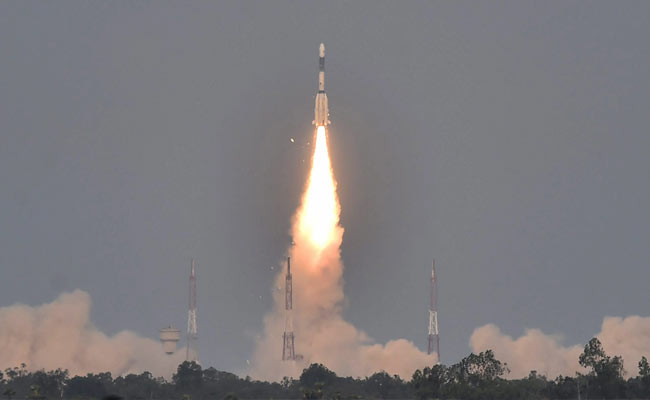 India trying to reconnect with communication satellite