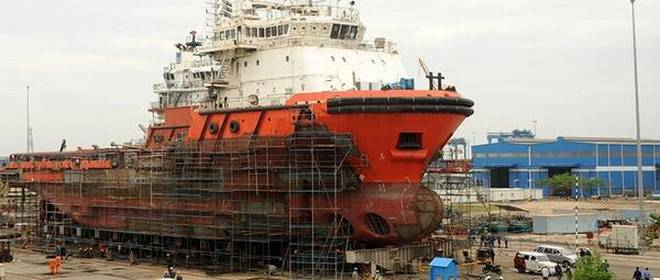 With Orders Drying Out, Private Shipyards Yearn for Level Playing Field