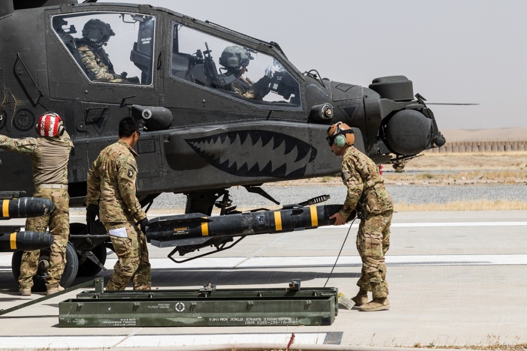 India Seeks $930 Million Worth of Weapons and Gear for Apaches