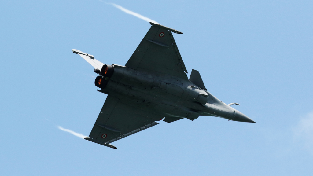 Indian Army ex-Chief Wasn't Surprised When Dassault Junked HAL as Rafale Partner