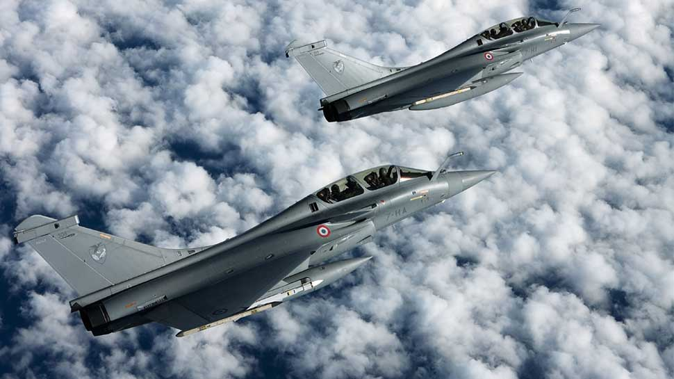 Pakistan Eyes 62 JF-17 Jets from China as Rafale Dogfight Continues in India