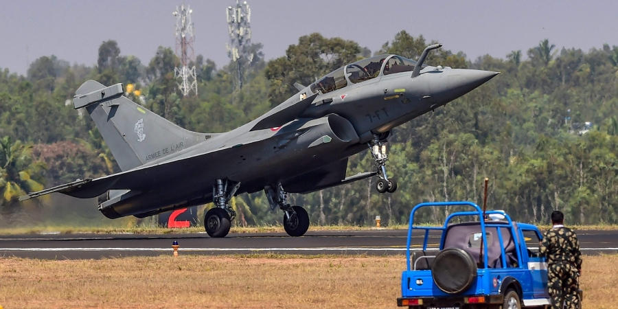 Pakistan Rolls Out First Batch of Dual-Seat Fighter Jets Manufactured in Collaboration With China