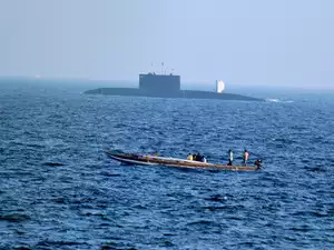 Submarine Launched K4 Missile Test now Likely in Mid December