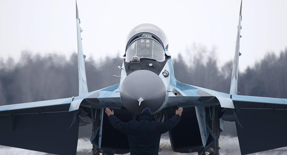 American F-21 or Russian MiG-35 to be Hot Favorites for $15 Bln Indian Fighter Jet Tender: Analysts
