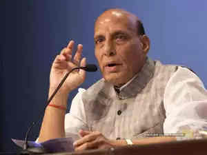 Rajnath Asks Top Military Commanders to Assist in the Revival of the Economy, Post Lockdown