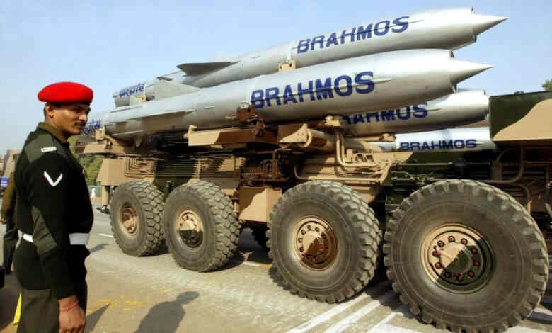 India's New 600 Km Range Brahmos Missile can Spread Panic in Entire Pakistan