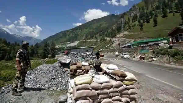 LAC Row: Govt to Expedite Work on 32 Road Projects Along China Border
