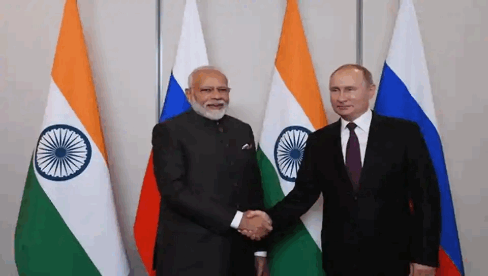 PM Modi, President Putin Vow to Strengthen Indo-Russia Ties, Discuss Covid-19 Crisis