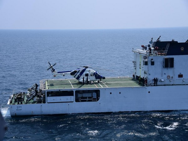 HAL's Advanced Light Helicopter Dhruv  Demonstrates Deck Operations Capabilities In Ship-Borne Trials