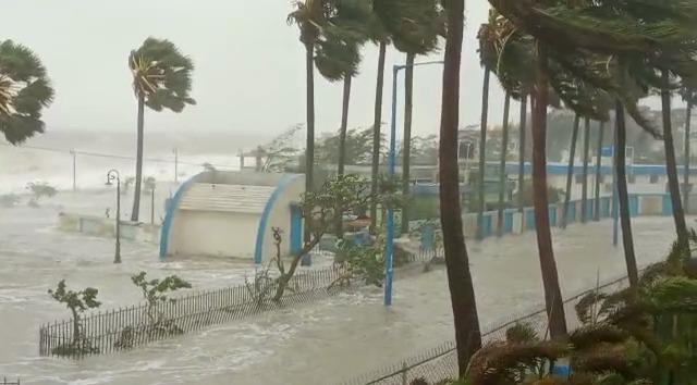 Cyclone Yaas LIVE Updates: Rain, Gusty Winds Hit Odisha Coast as Landfall Process Begins, Bengal on High Alert