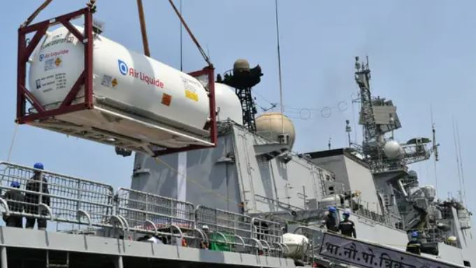 Navy To Pick 2,000 Tonnes Of Oxygen From UAE, Kuwait And Qatar To Battle Covid