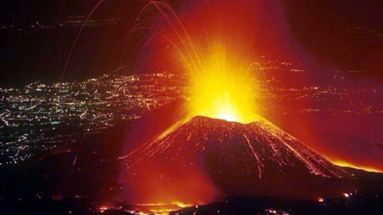 Indian Army Helps Evacuate Civilians After Volcano Erupts In Congo