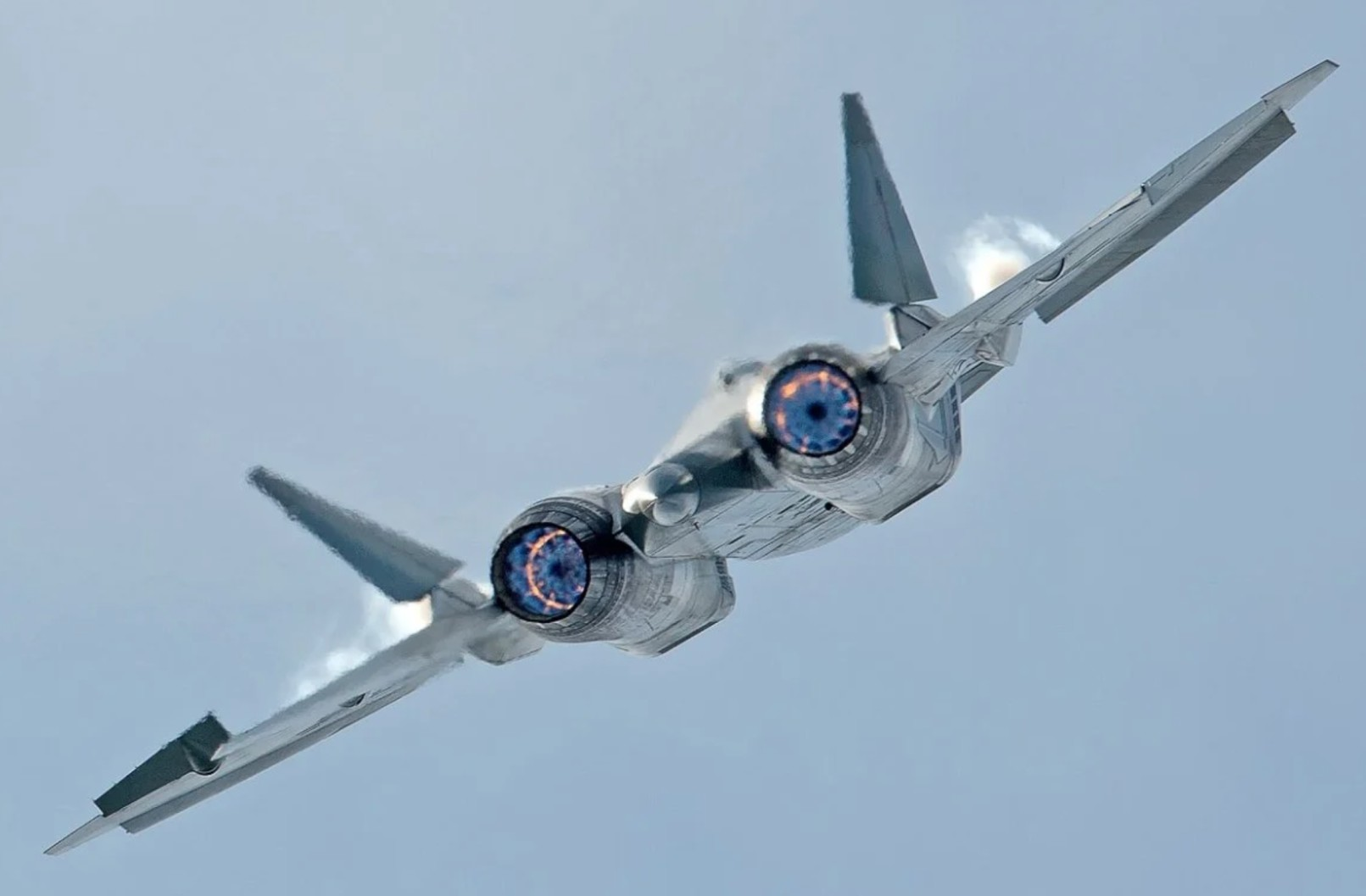 Rostec Gets Ready to Reveal Its New Russian Fighter Jet