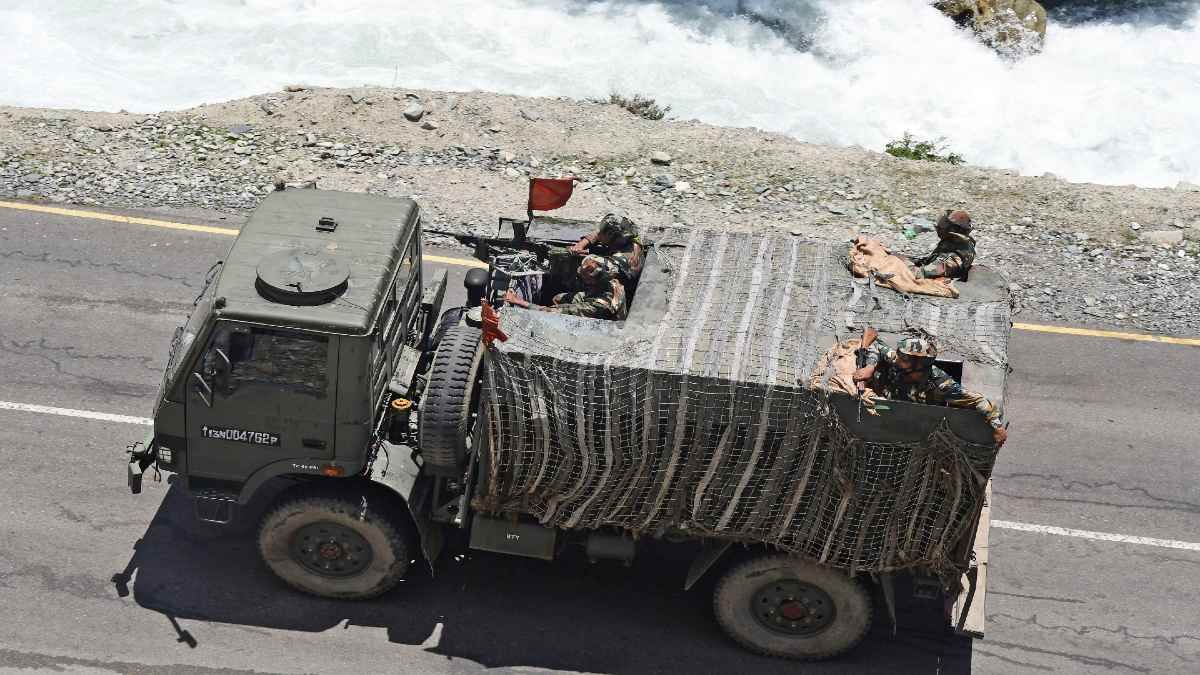 Defence Ministry Extends Emergency Powers to Armed Forces as India-China Stand-Off Continues