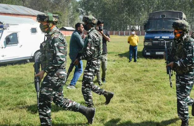 Shift in Militants' Pattern? A Look at Recent Killings in Kashmir Suggests Minority Civilians Prime Targets