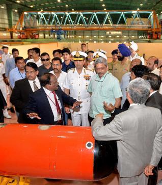 Parrikar dedicates modern test facility for ship design to nation